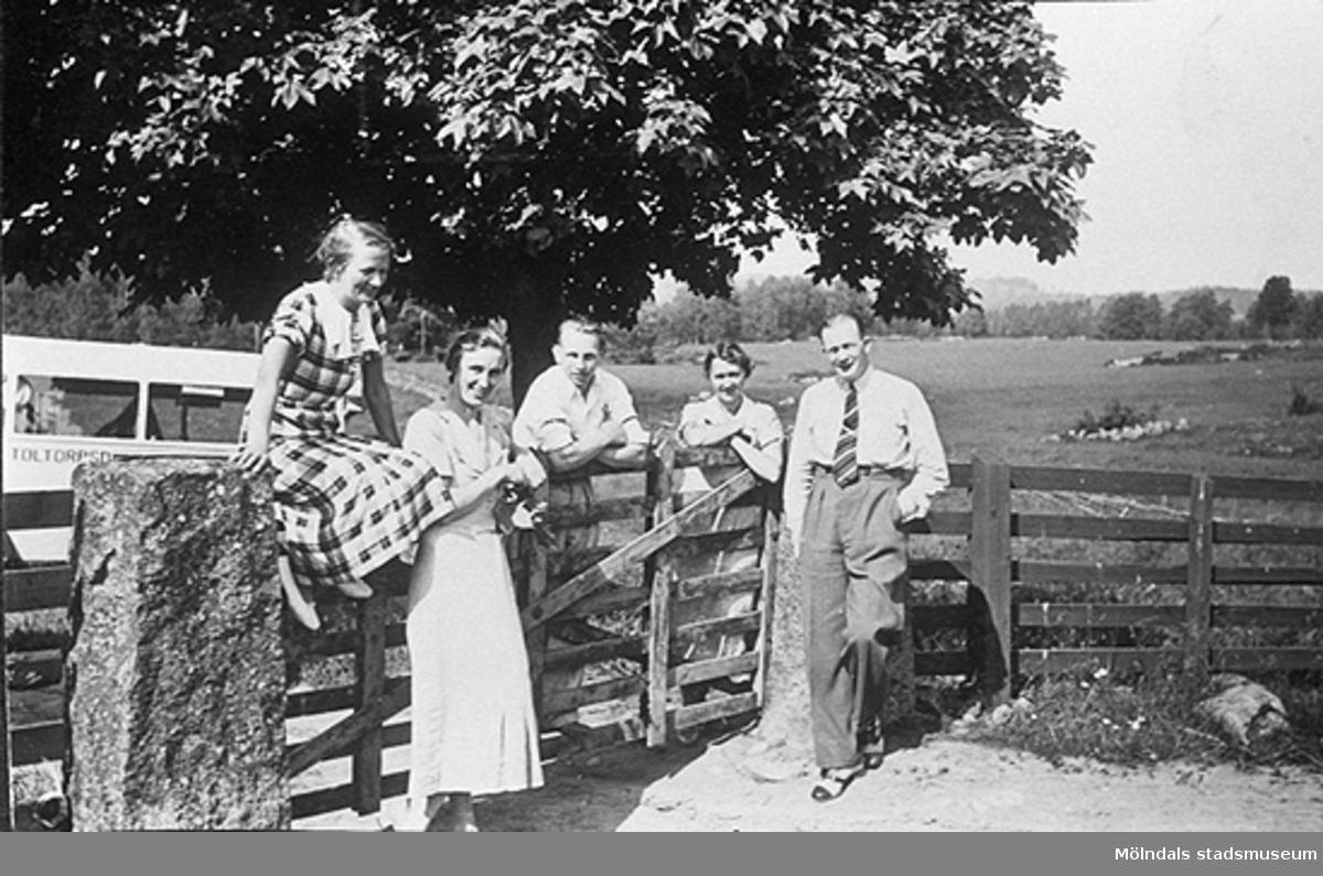I fråga om MMF 3474-3480 vet Åke inte mer än, att bilderna har tillhört brodern Vitalis, och att de visar Mölndals Sionförsamling på utflykt. Vitalis tillhörde denna församling någon tid. Bild från början av 1930-talet.