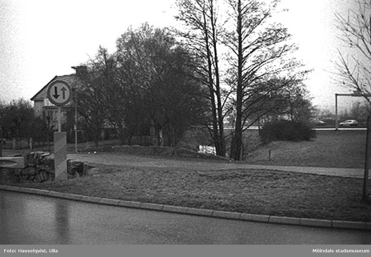 Översikt vid Skedebro från öster. 1996-01-16.