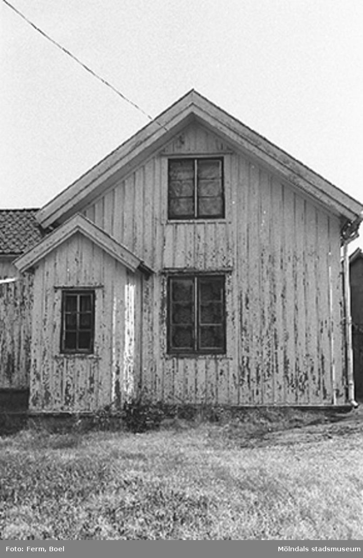 Bostadshus.Högen 2:1/2:2 i Kållered, 1992-06-30.