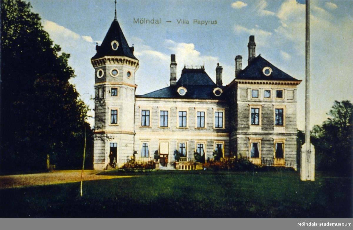 Färglagt vykort av Papyrusvillan i Mölndals kvarnby.