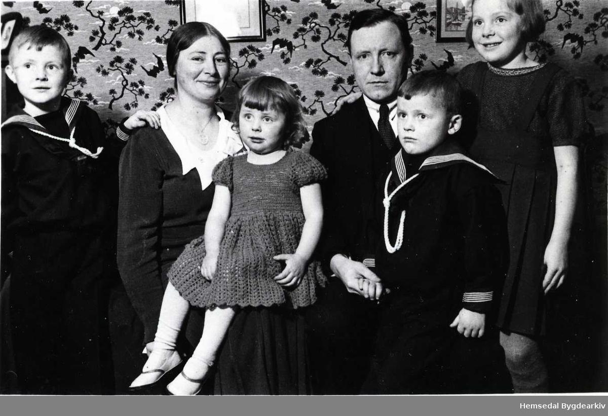 Familien Elise og Ola Rudvin i 1934.