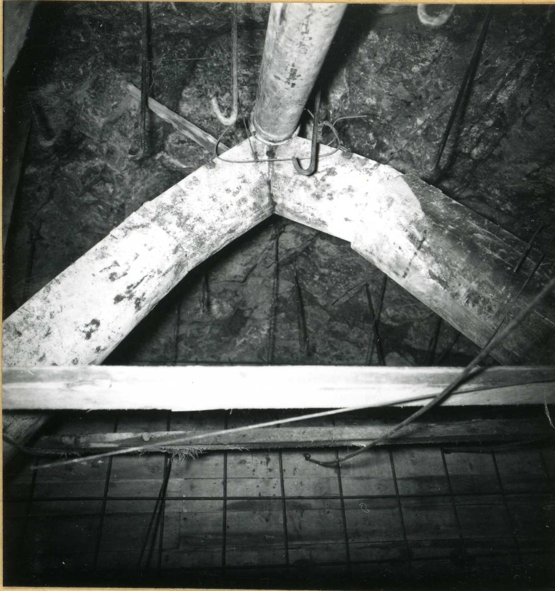 Inntak og dam. Våmarvatn og Kåsvatn. Tunnel innvendig.