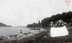 GEODESI. Triangulering: telt i strandkanten, Tromøy.