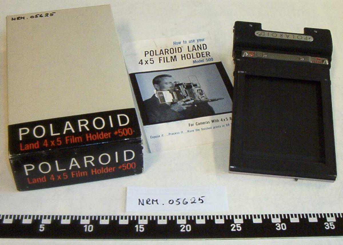 Polaroid Land 4x5 Film Holder #500. Ligger i oroginal eske med bruksanvisning.