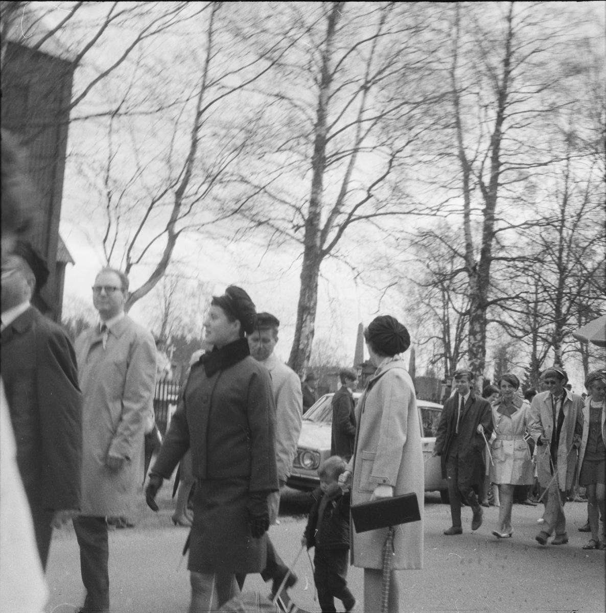 17. mai. Elverum.  1960-tallet.  Folketog.