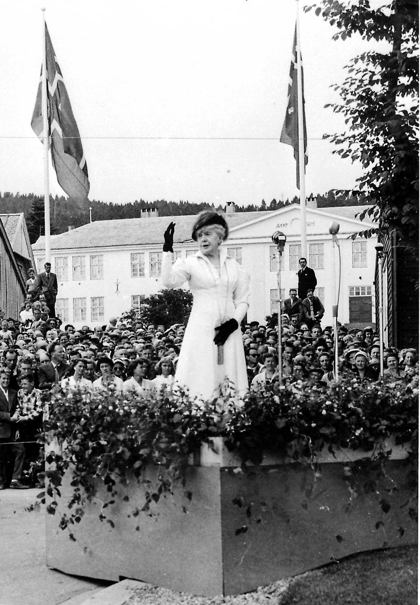 Molde, minnesmerke, Bjørnson