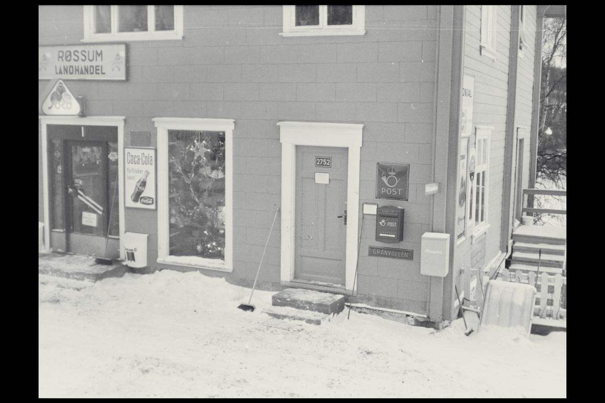 eksteriør, postkontor 2752 Granvollen, postkasse, postskilt, landhandel