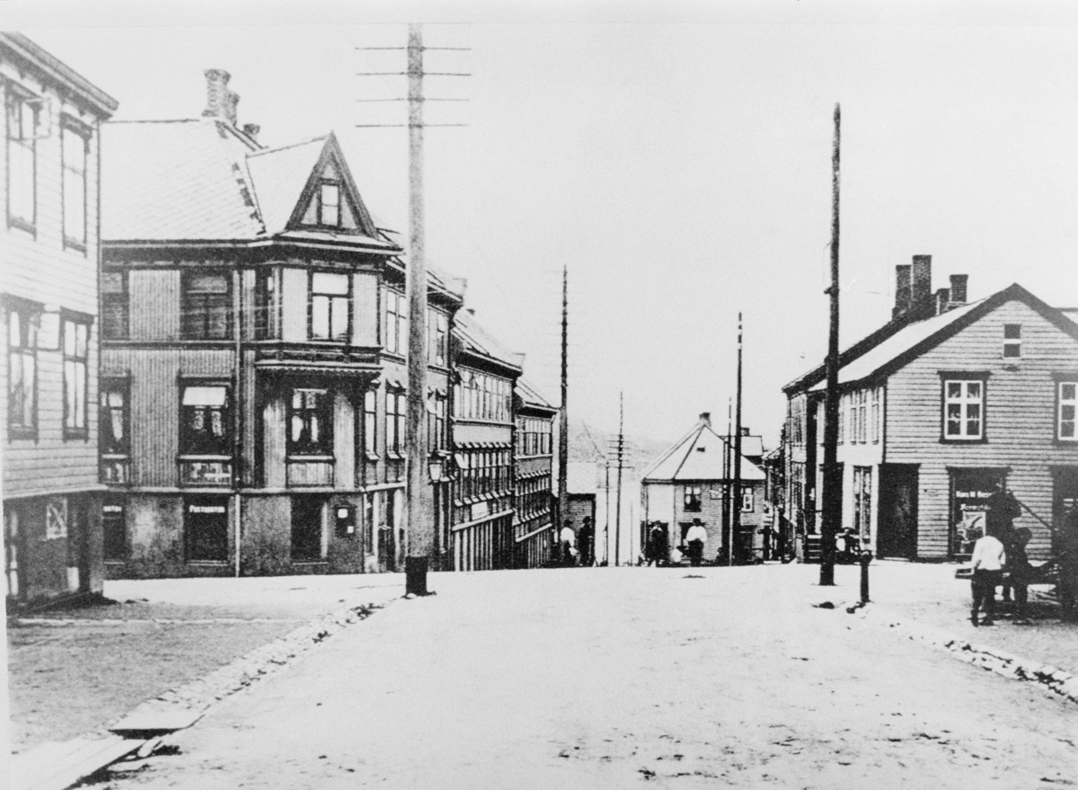eksteriør, postkontor, Bodø , Havnegt./Dronningens gt., postlokalene i bruk 1899-1915