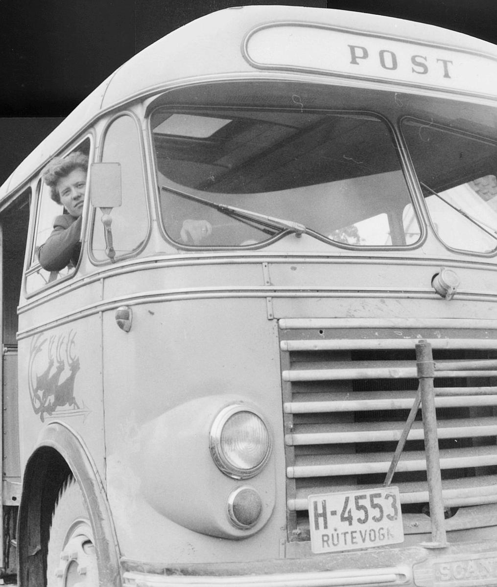 transport, bil, Bø-Ytre Vinje, postbuss, mann. Scania - Vabis.