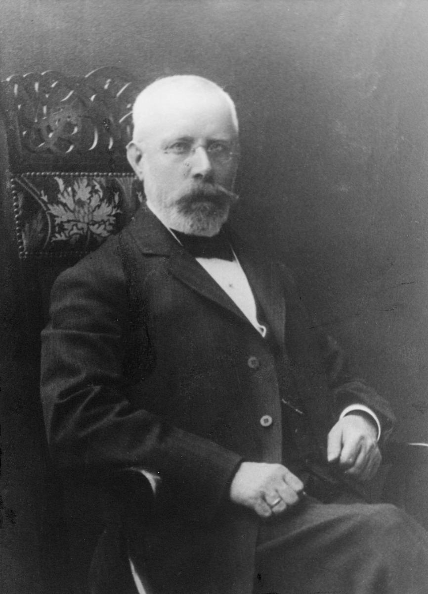 portrett, postmester, Ole Mikkelsen Skulstad