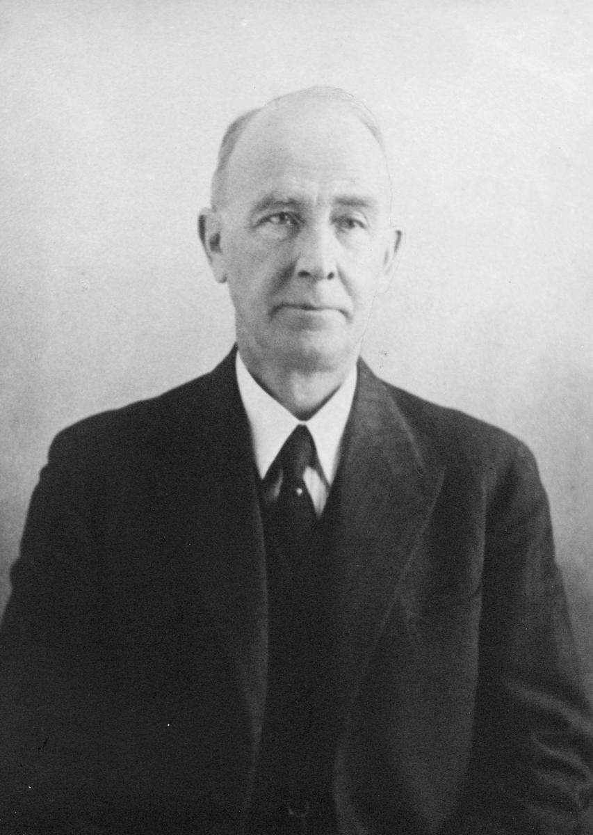 postmester, Weydahl Erik Osvald, portrett