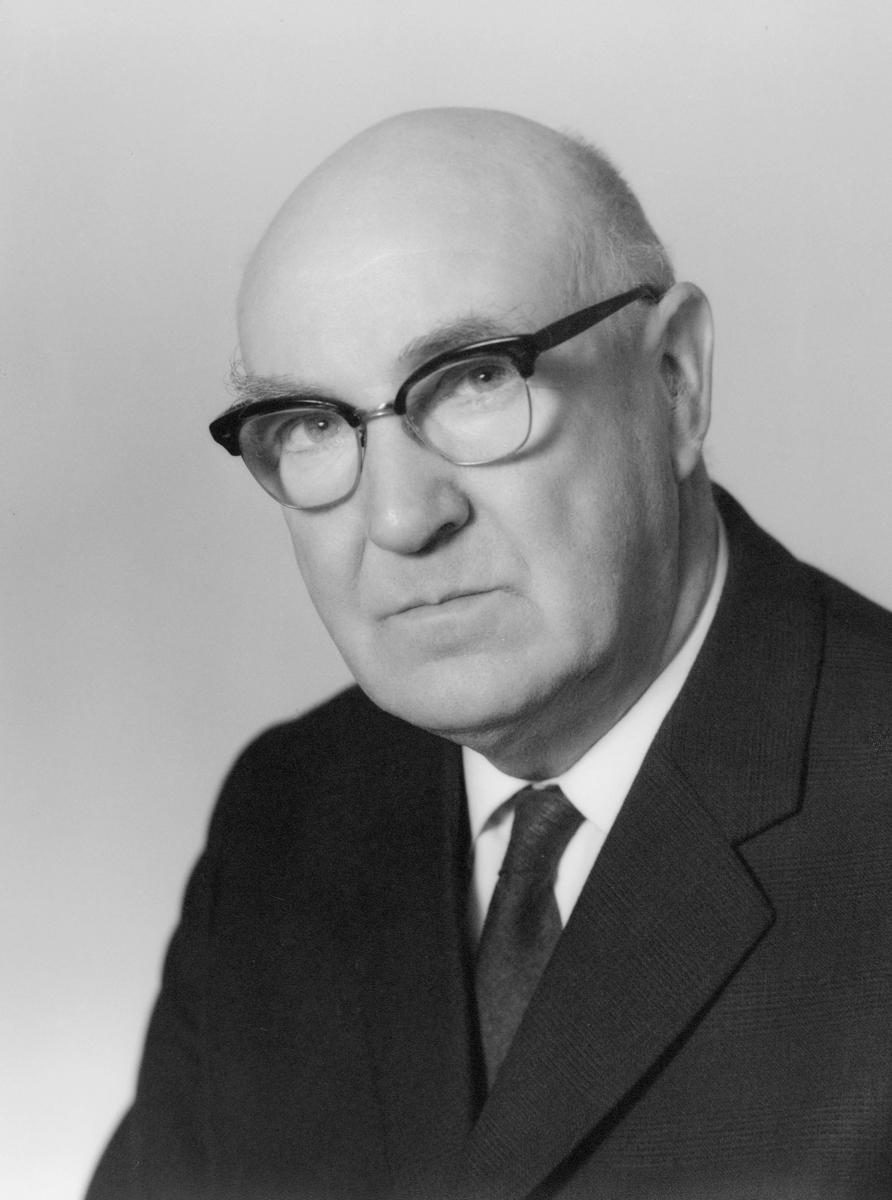 postmester, Skundberg G.A., portrett