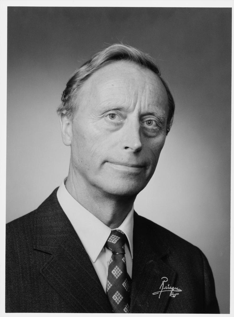 postsjef, Raftevold Kåre Hermann, portrett
