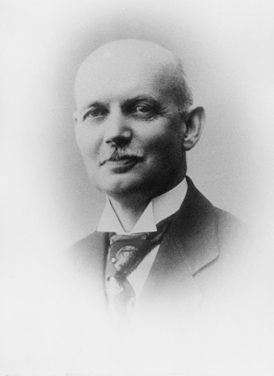 portrett, byråsjef, Knudsen Julius Helmer