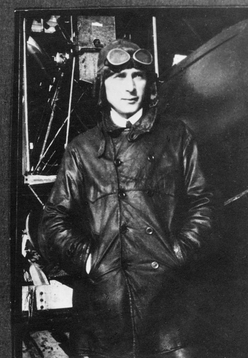 person, flyverløytnant Stangeland, rute Bergen-Stavanger
