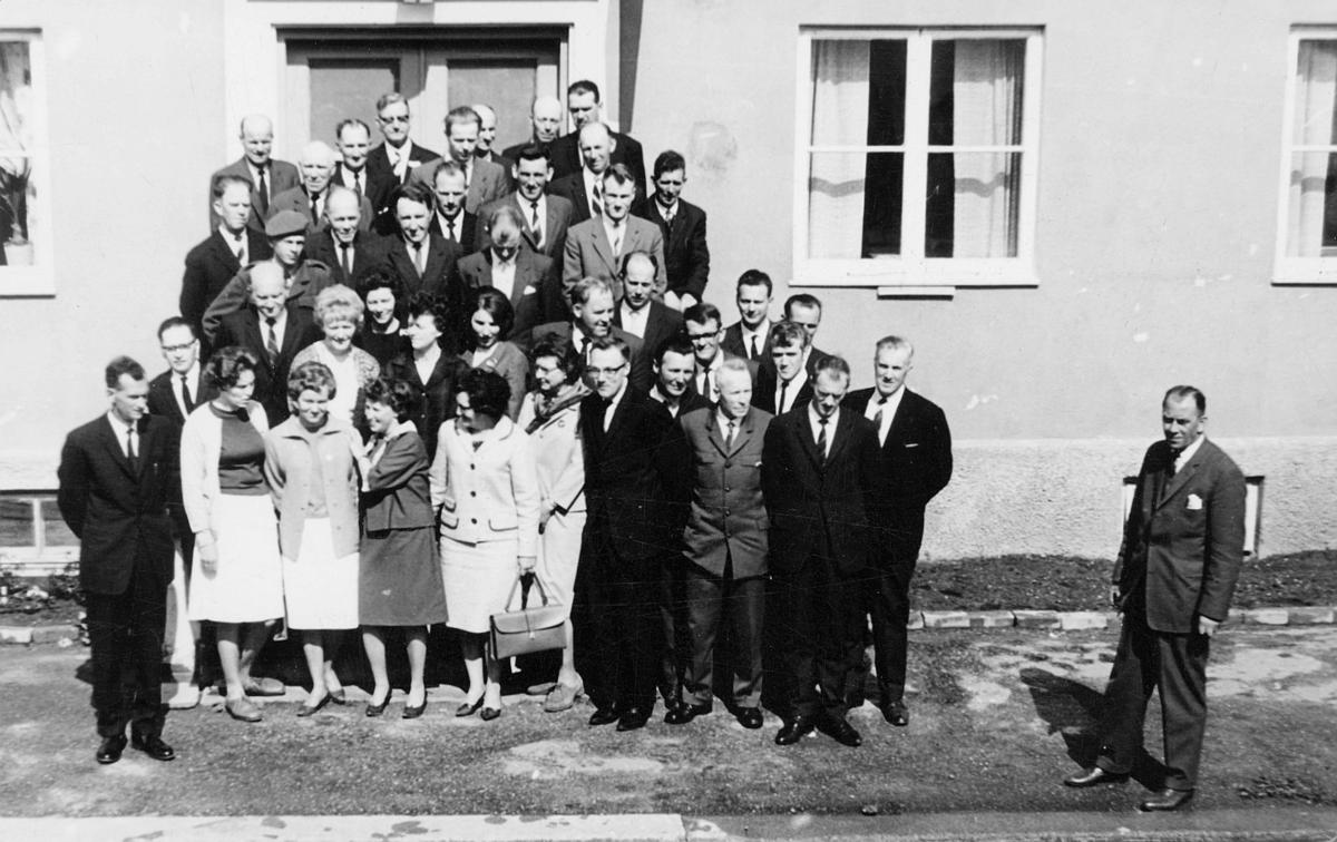 postskolen, eksamenskandidater, poståpnere, landpostbud, Namsos, 21. mai 1965, eksteriør