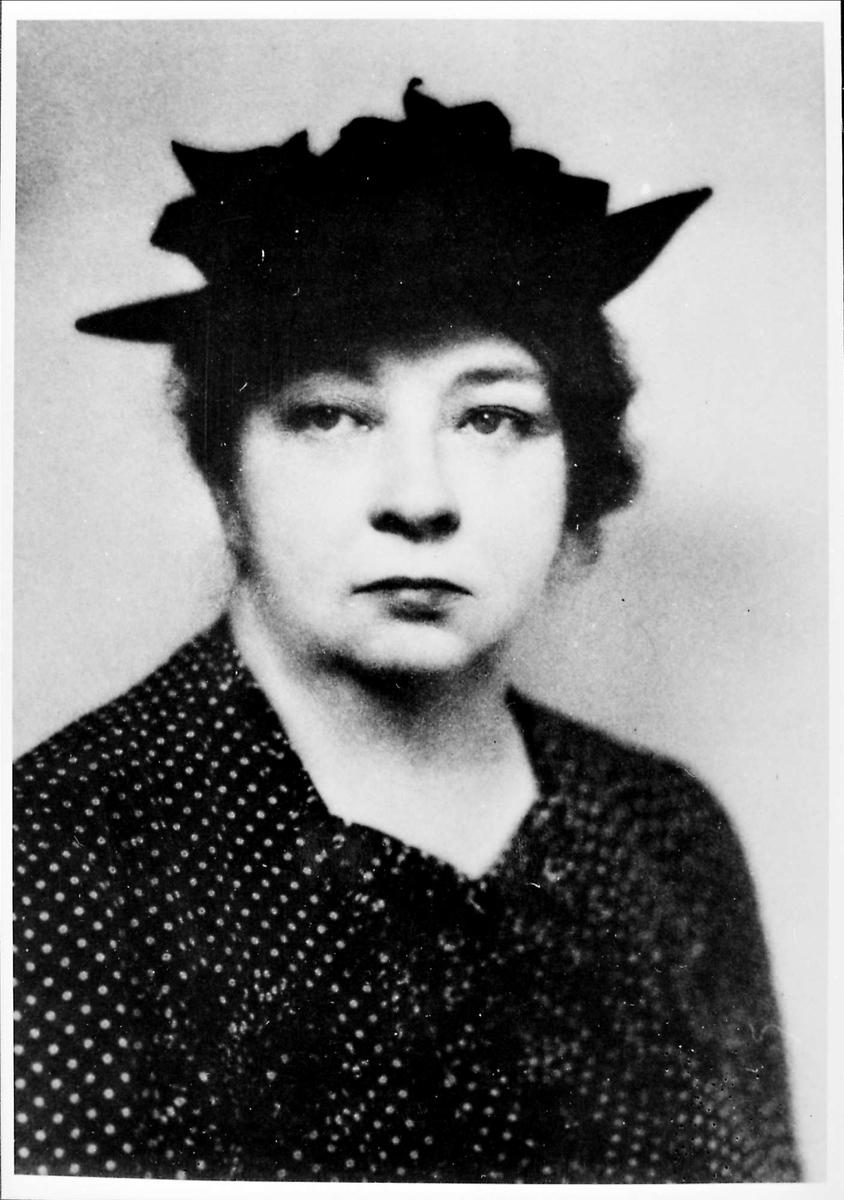 Kvinne, hatt, portrett