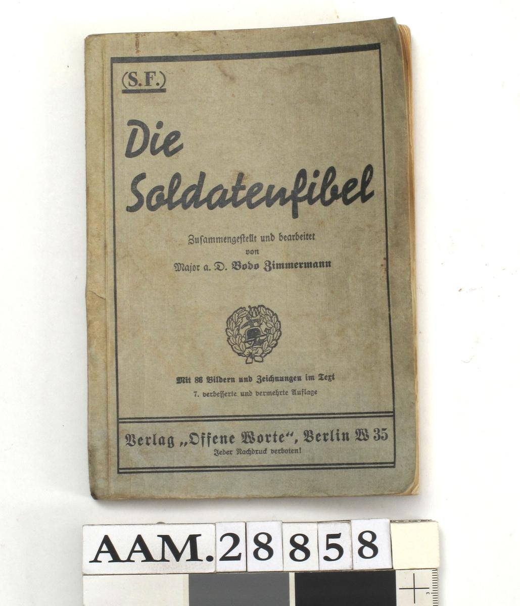 Bok, heftet, grått omslag..Håndbok for Wehrmachts soldater. Rikt illustrert.