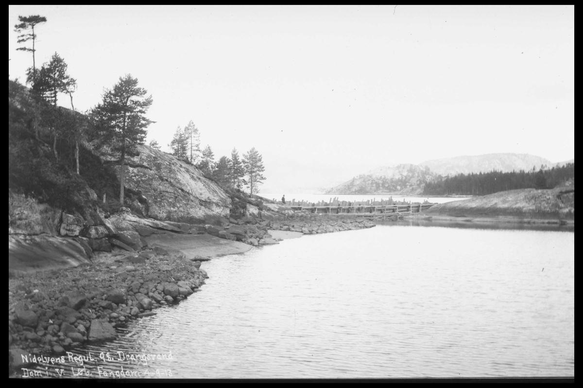 Arendal Fossekompani i begynnelsen av 1900-tallet CD merket 0446, Bilde: 25 Sted: Drangsvann dam Beskrivelse: Regulering
