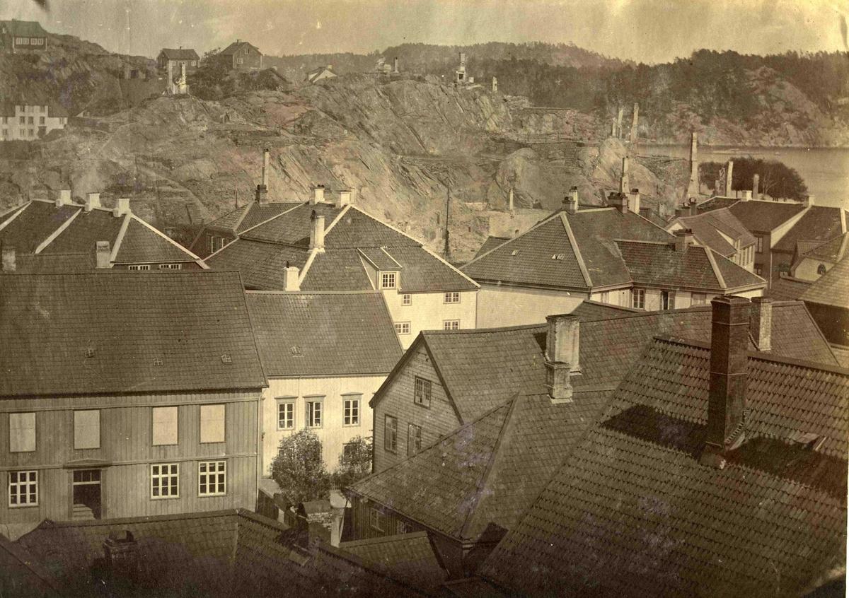 Fra John Ditlef Fürst album.  Branntomtene etter brannen 1868 - AAks 44- 4 - 7 Bilde nr 70c - del av triptych.