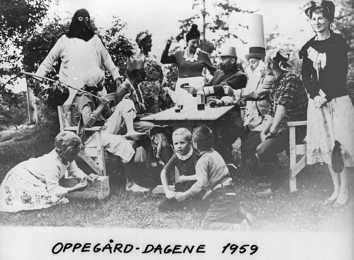 Fest i hagen hos Johan Eker i forbindelse med Oppegård dagene.