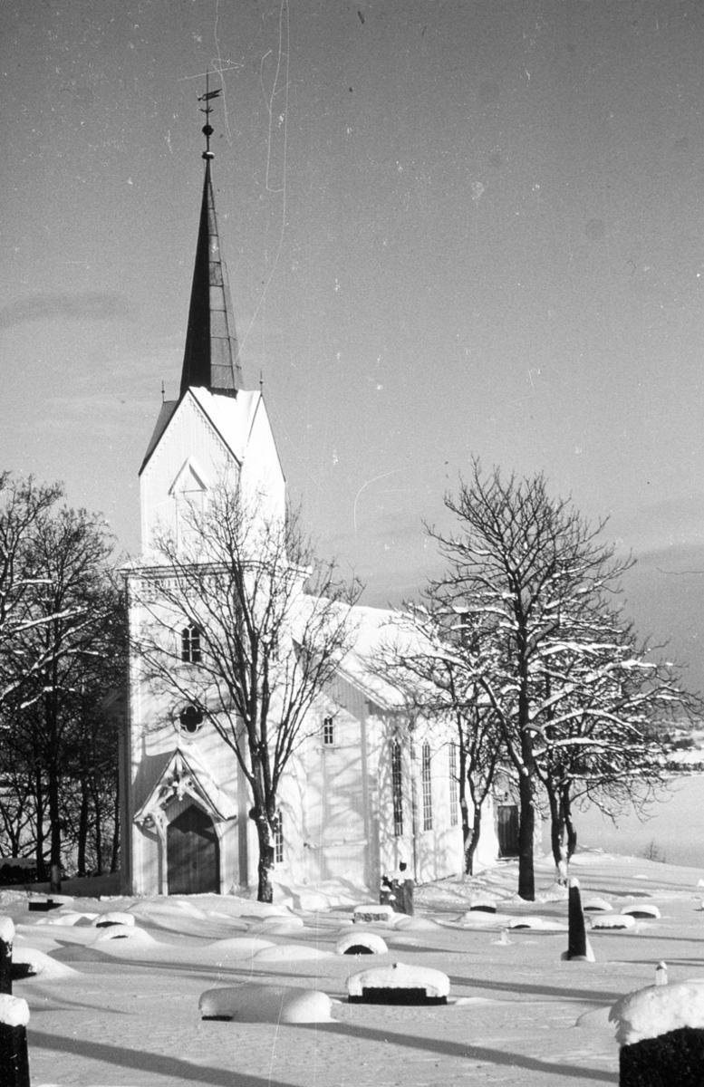 Rælingen kirke Kirke, gravlund