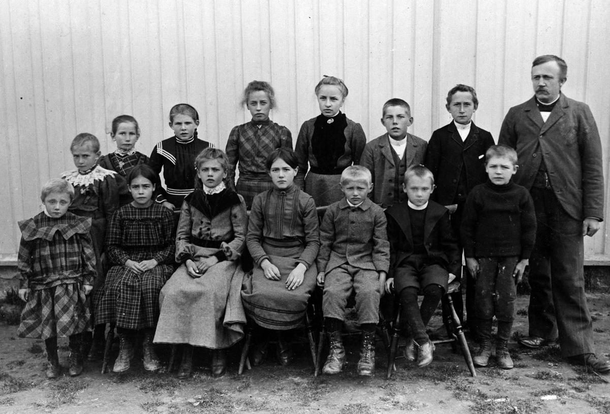 Herman Strand med elever.
