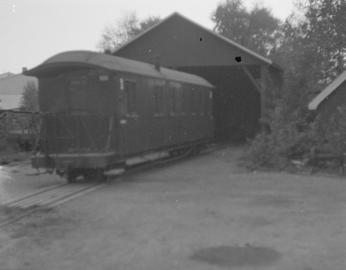 Personvogn BCo 3 ved lokstallen på Bjørkelangen