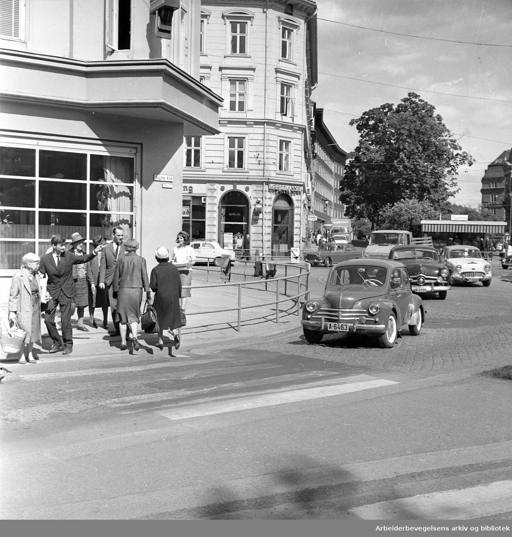 Drammensveien ved Solli plass, .juni 1965