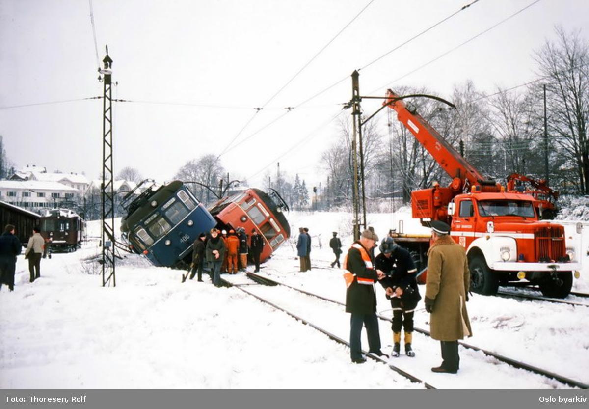 Holmenkollbanen 113 og C 406, OBW 9-8 kollisjon samkjøring.