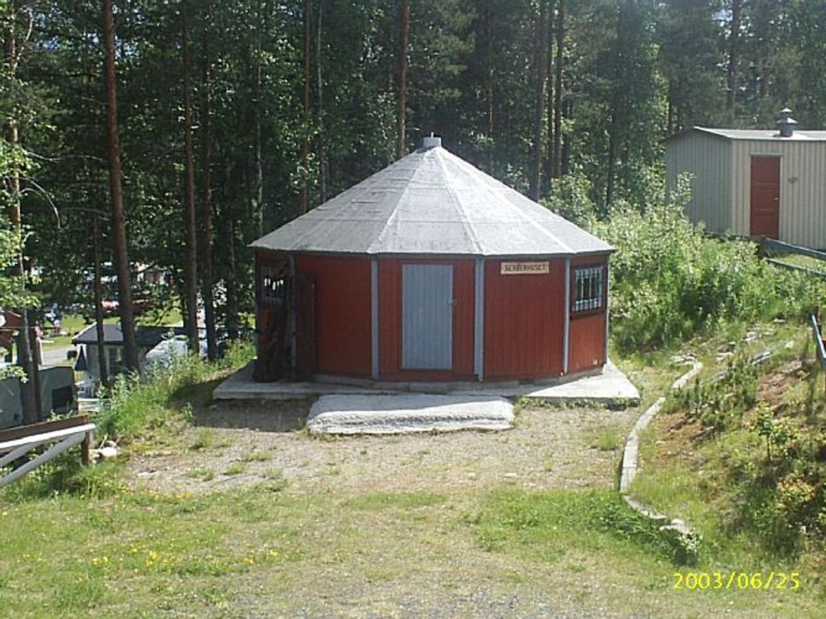 Sekskantet hytte.