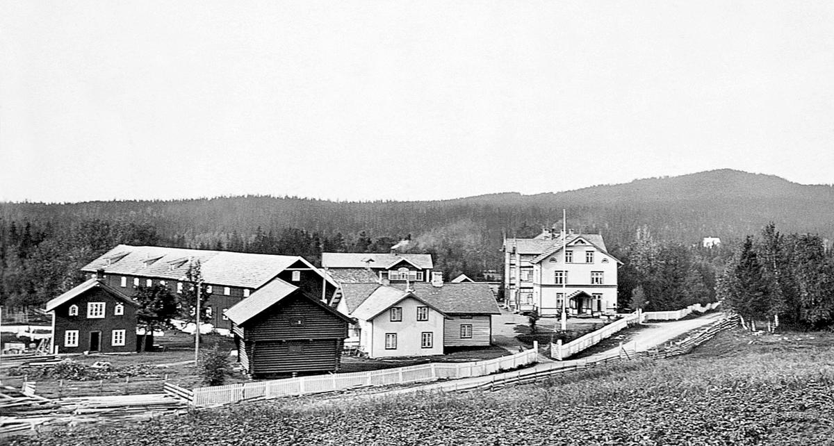 Sagstuen, Mesnalia Turisthotell, Møllerstua skole, Mesnalia, Ringsaker.