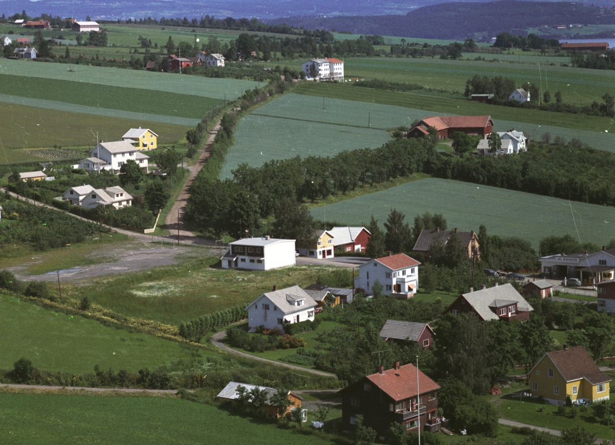 Flyfoto, bebyggelse, Tingnes, Grande, Frydenlund, lekeplassen, brannstasjon, Nes, Hedmark.