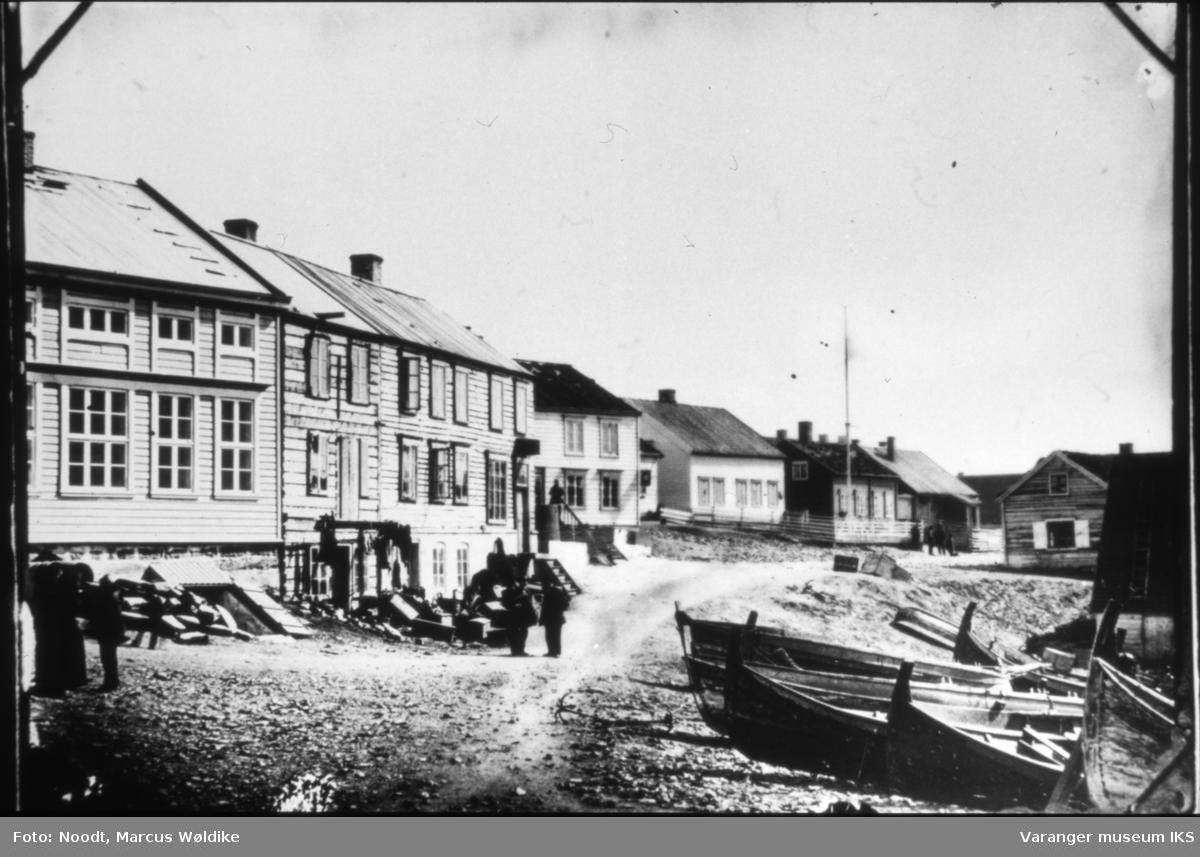Trehusbebyggelse i Østervågen, sett fra Valen
