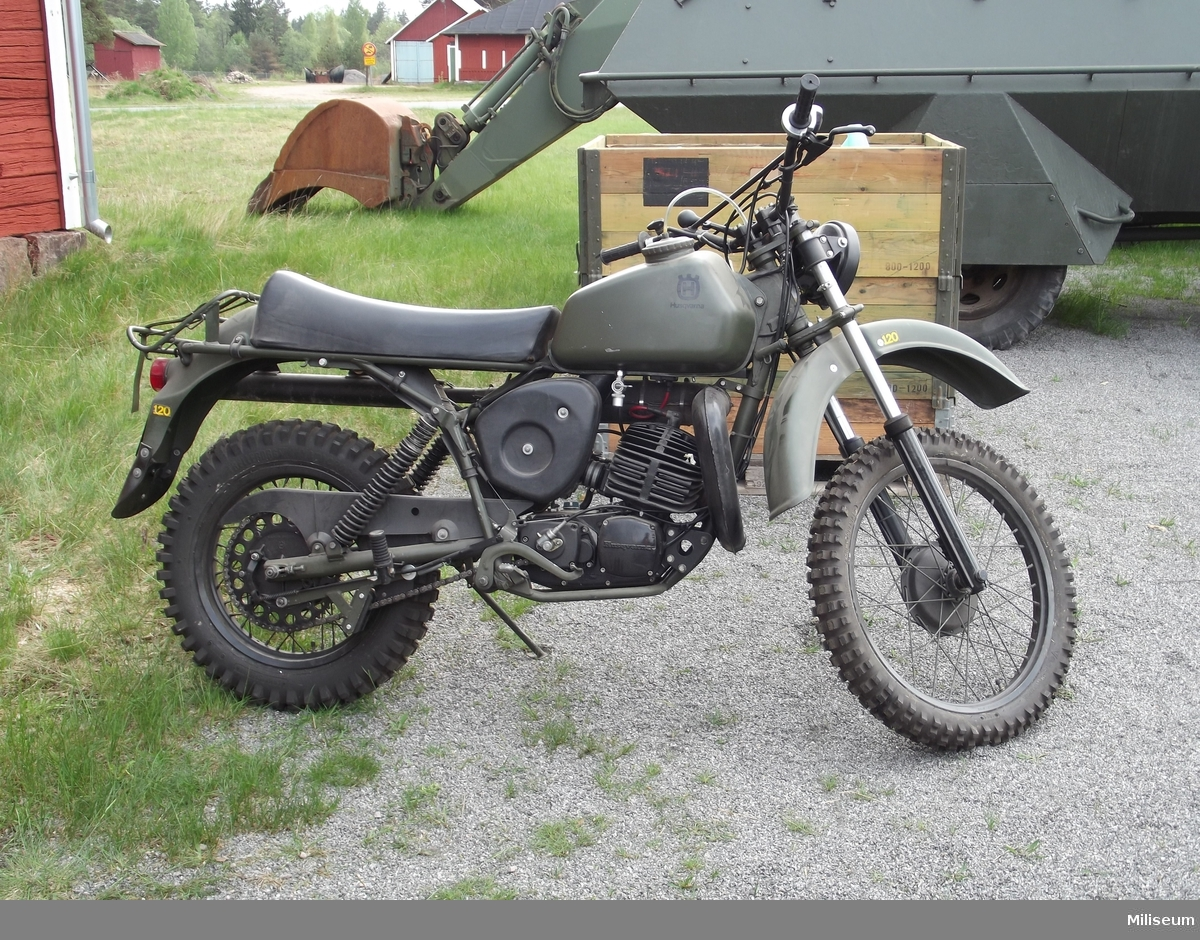 Motorcykel 258.  Hopplockad av reservdelar.