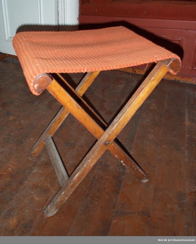 Klaffestol med fløyelstrekk