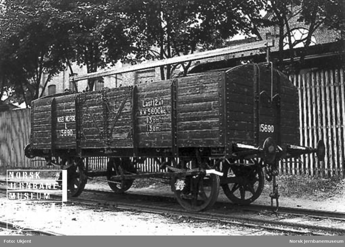 Nyrevidert kassevogn litra L nr. 15690