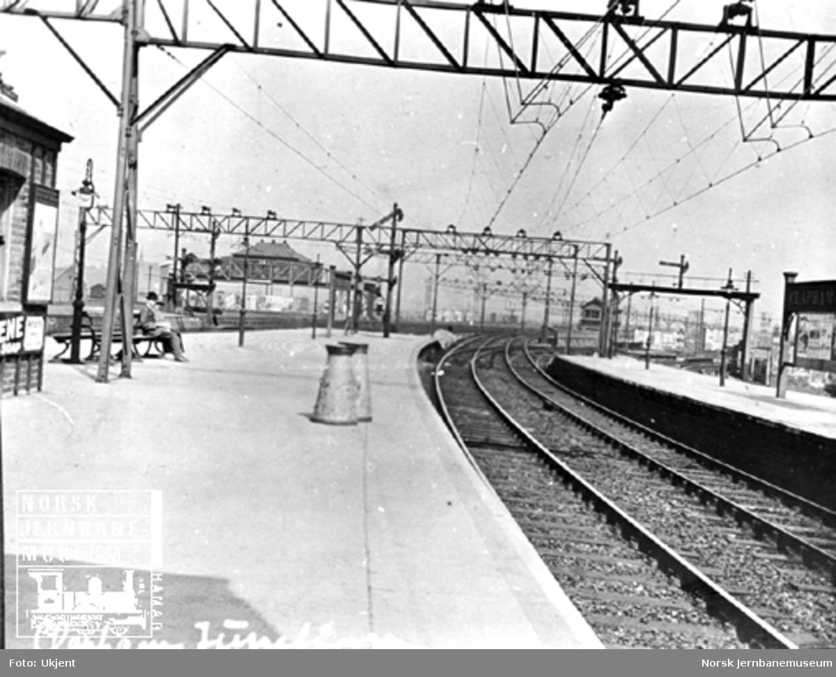 Plattformbilde fra Clarham Junction stasjon