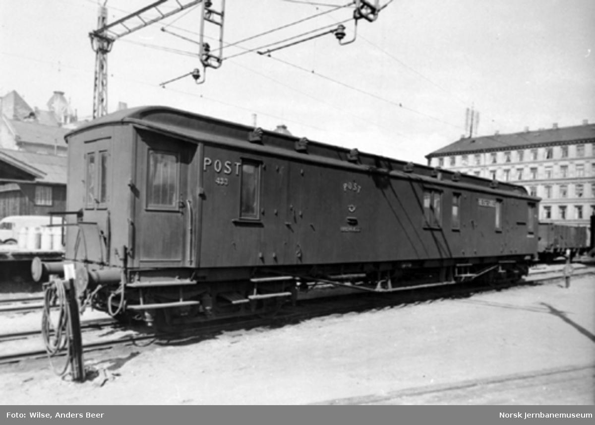 Post- og reisegodsvogn litra DFo-32 nr. 433