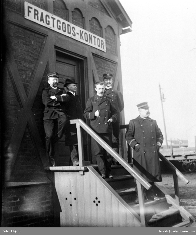 De ansatte ved Merakerbanens Fragtgodskontor i Trondheim