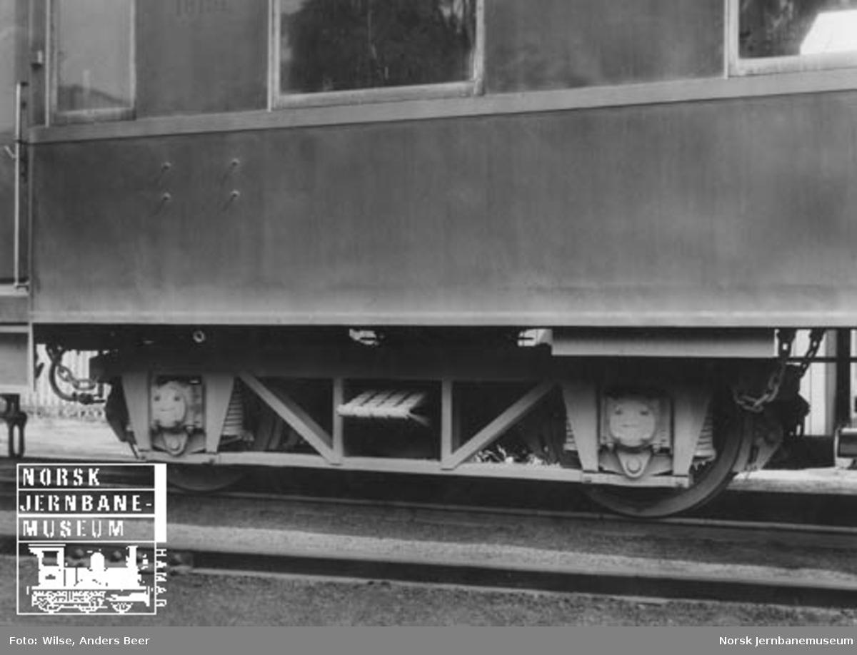 Personvogn litra BCo2c nr. 18151 som ny; NSBs første stålvogn, boggien