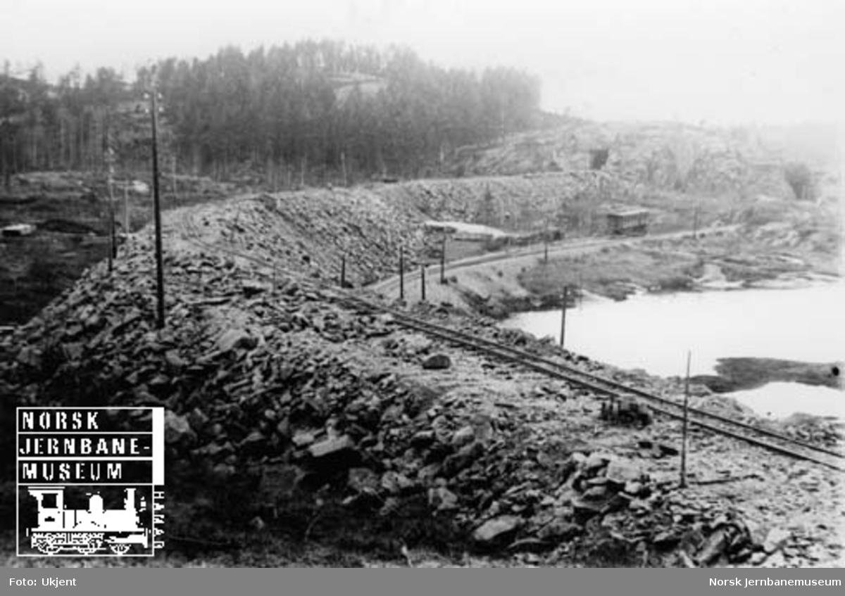 Gåseflå-omleggingen : storfyllingen ved Nedre Gåseflå sidespor; ca. 35000 kubikkmeter