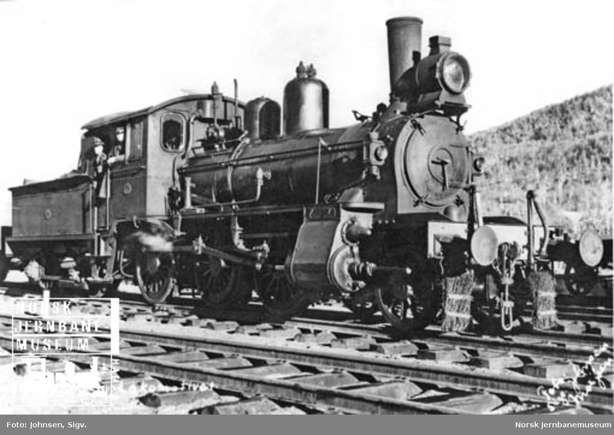 Damplokomotiv type 11d nr. 66, som ble brukt til skinnekjøring fra Mosjøen i anleggsperioden