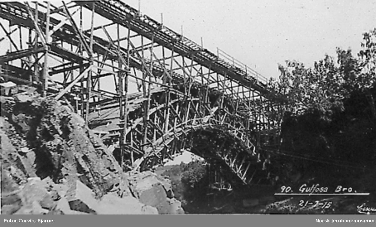 Bygging av ny bru over Gaula ved Gulfossen : stillas
