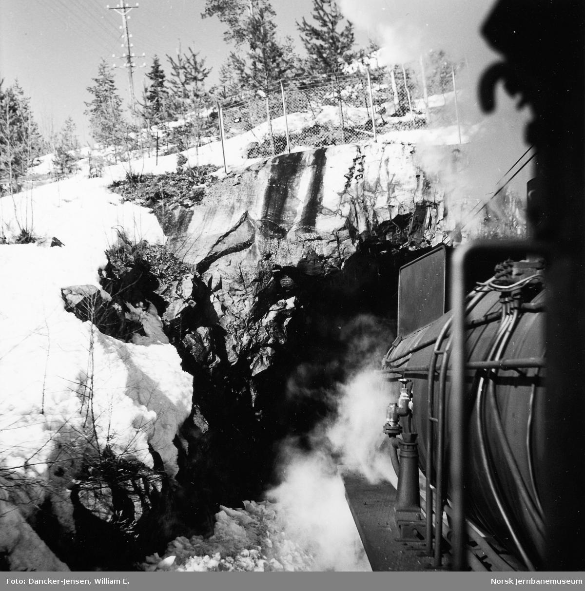 Utsyn fra damplokomotiv type 31b nr. 447 mellom Oslo og Roa